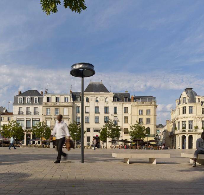 Luminaire vue de jour, Poitiers - Photographie Boy de la Tour