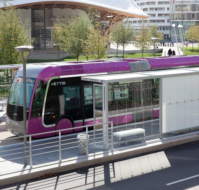 Metz et bus - Photographie Yann Monel