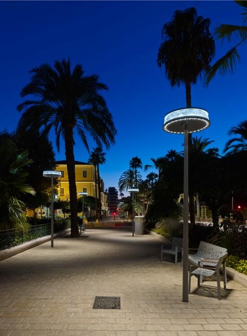 Hyères, luminaire Anello, vue de nuit - Photographie Didier Boy de la Tour