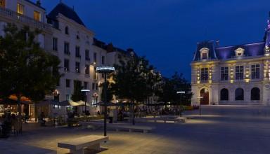 Luminaire Anello, Poitiers - Photographie Boy de la Tour
