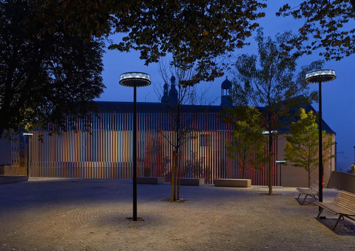 Ensemble de luminaires Anello à Poitiers - Photographie Boy de la Tour